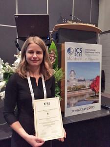 Ina Asklund med diplom vid ICS 2015